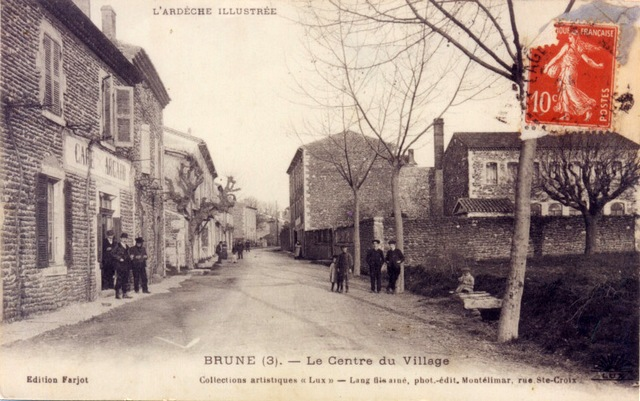 Brune le centre du village 1