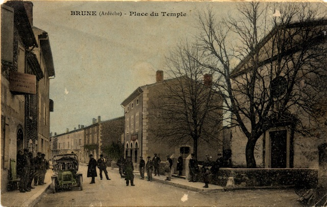Brune place du temple 1