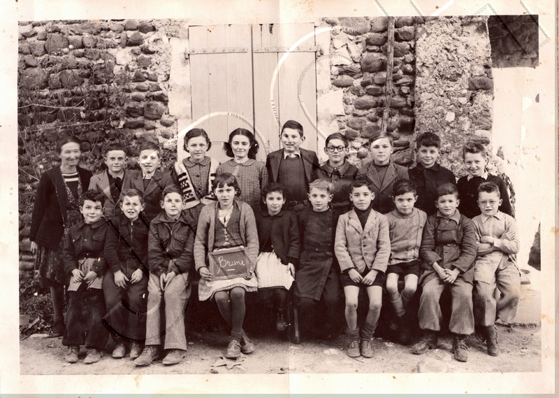 ecole-st-symphorien1951-52photo.jpg